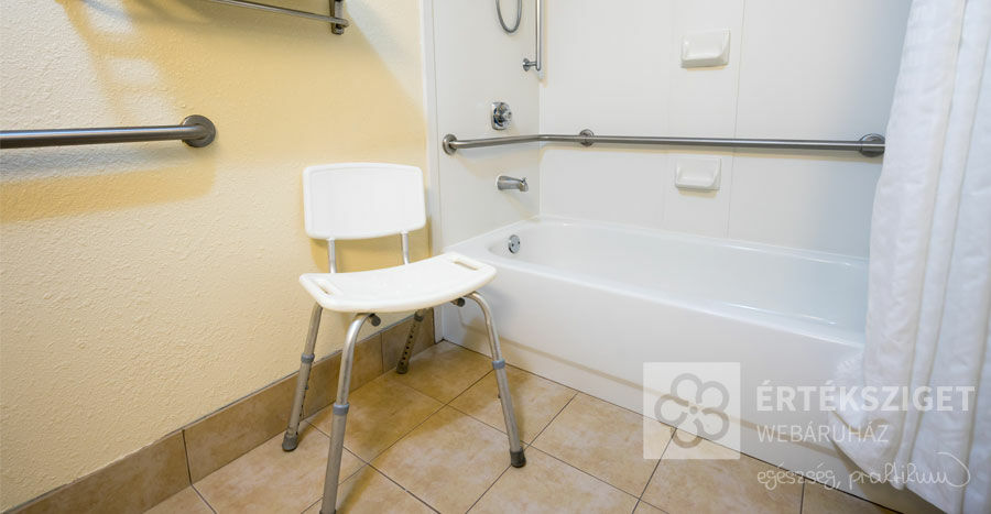 Milyen székeket használhat a fürdőszobában? 5 szempont a választáshoz