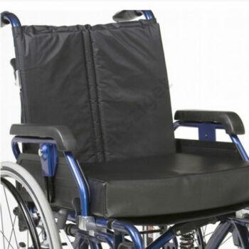 Speciális ülőpárna kerekesszékbe vízhatlan huzattal, memóriahabos, 45x40x10cm